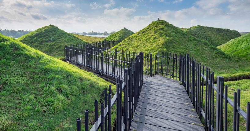 Bảo tàng Biesbosch, được đổi mới cảnh quan với mái phủ xanh
