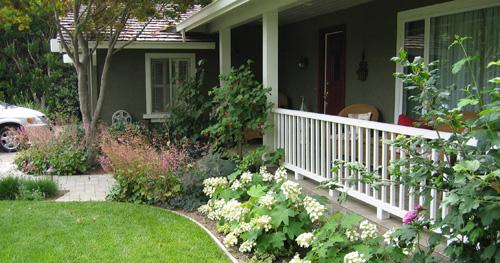 Trong thiết kế biệt thự, phần đặc biệt quan trọng và góp phần tôn lên giá trị của khu nhà đó là sân vườn.